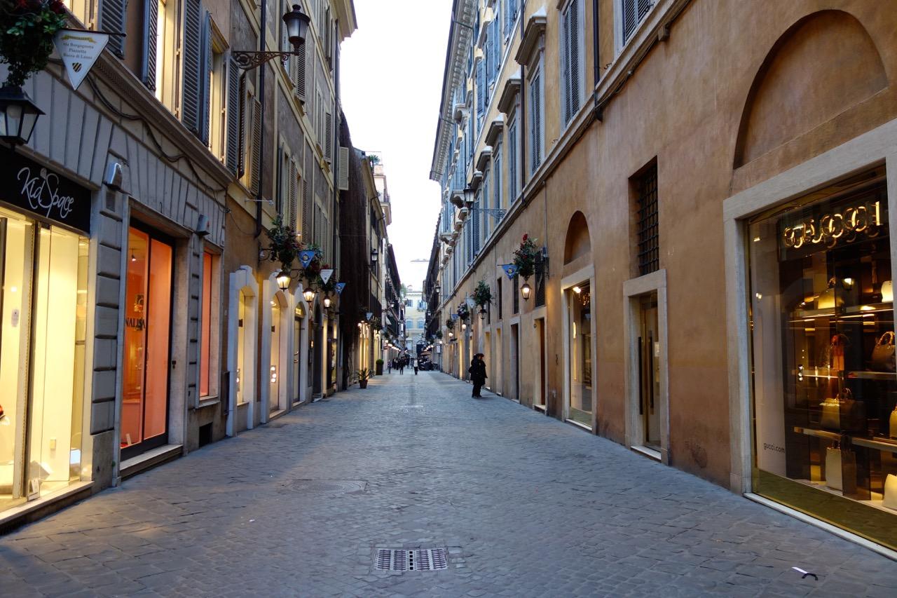 Compras na Via Borgognona e Via Frattina em Roma 2cc0ea108fb6