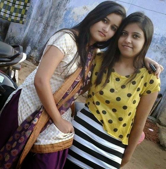 Pakistani And Indian Desi Girls With Friends Photos -9875