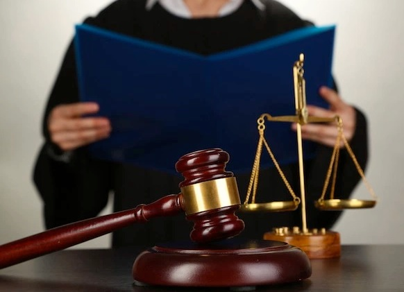استشارة قانونية في قضية مالية
