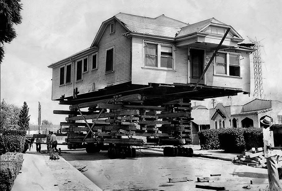 vintage everyday: Houses moving in Los Angeles in the past
