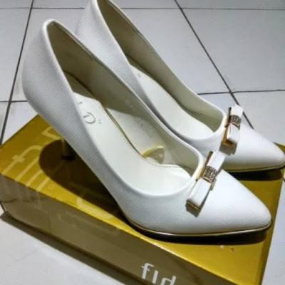 sepatu high heel cantik