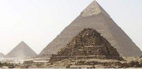 Το μυστικό της σχεδόν τέλειας ευθυγράμμισης των πυραμίδων της Γκίζας [εικόνες]