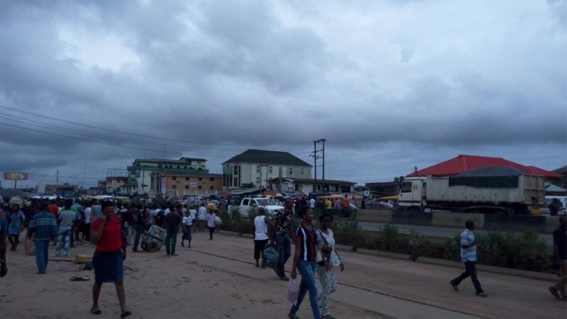 Photos: Niger Delta militants block Lagos-Benin Expressway