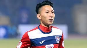 Cầu thủ Nghiêm Xuân Tú của CLB Quảng Ninh