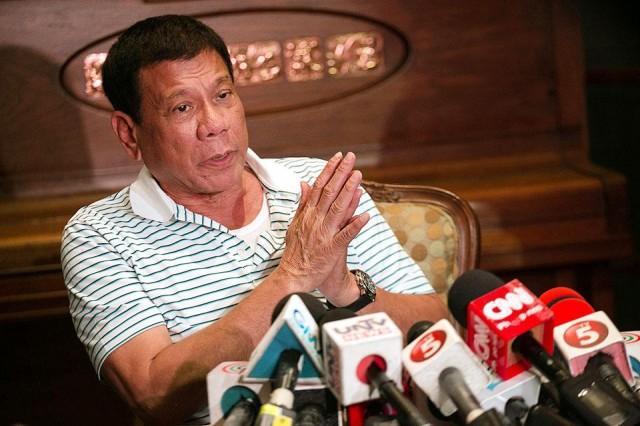 DUTERTE TO TELCOS : IMPROVE YOUR INTERNET SERVICES, OTHERWISE....