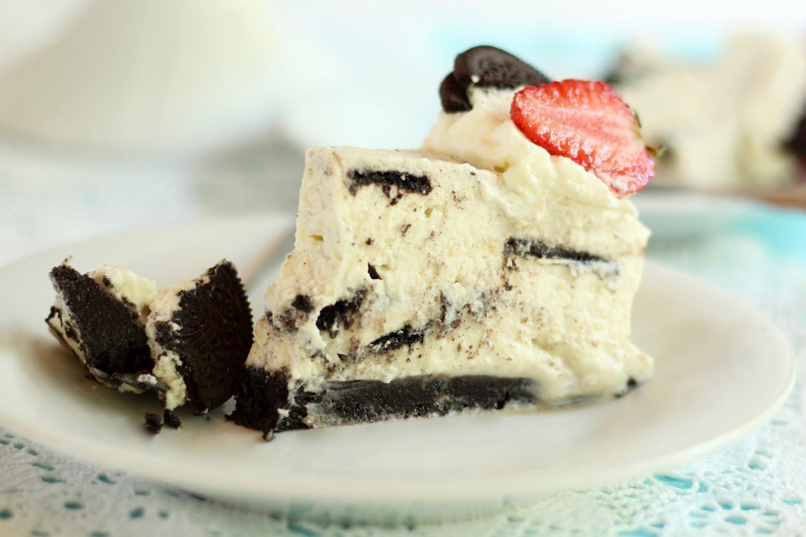 Traumhafte, schnelle Oreo Torte ohne Backen mit Erdbeeren | Rezept und Video