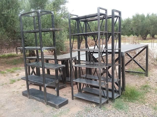 mobiliers industriels en fer forgé, étagère industriels en fer forgé