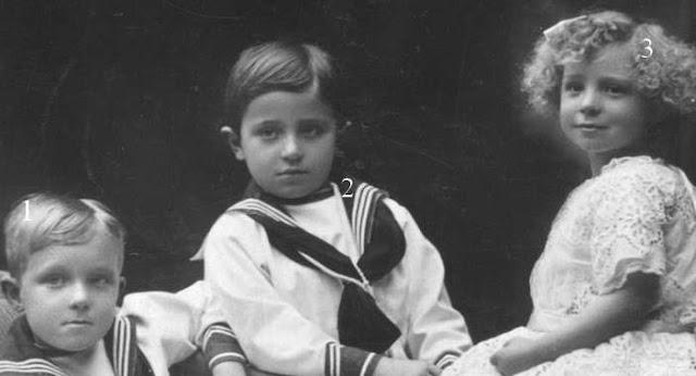 Alfonso de Borbón y Battenberg Jaime de Jaime de Borbón y Battenberg ,Beatriz de Borbón y Battenberg,