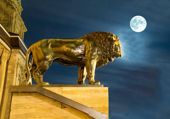 Full Moon Leo Gold Lion