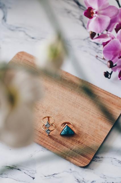 pierścionek marmur