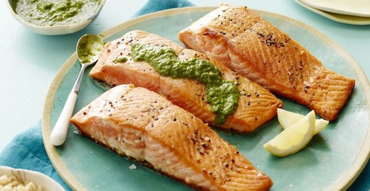People Who Consume Fish Live Longer And Healthier, According To A Study