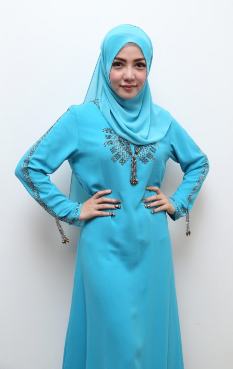 model IGO konsep foto hijab dalam ruangan dengan tips sederhana ligthing