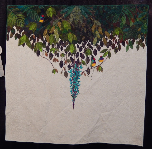 Gouldians in the Jade Vine by Ruth Bloomfield @ Quilting Mod