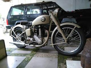 LAPAK MOTor tua gROUP FACEBOOK : jUAL BSA Salur 350cc