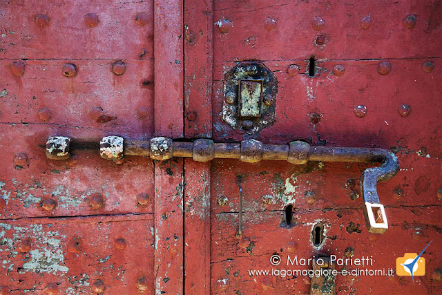 Antichi portoni cantine di Gandria