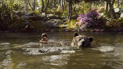 जॉन फेवर्यू की 'द जंगल बुक' का हिंदी संस्करण भारत में रिलीज़ हो गया है। रूडयार्ड किपलिंग की किताब 'द जंगल बुक' की कहानी पर आधारित यह फिल्म आपको दूसरी दुनिया में ले जाती है।