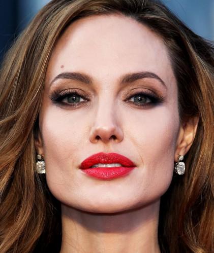 Lábios Hipnotizantes Angelina jolie