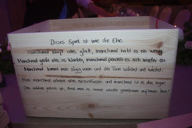 Hochzeitsspiel Holz, Hochzeitsmotto aus M wird M, Pastell und Vintage im Riessersee Hotel Garmisch-Partenkirchen, Bayern