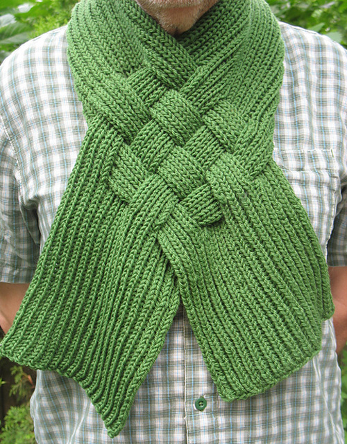 Celtic Knot Looped Scarf - Free Pattern