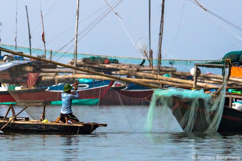 Hanoi Side-Trip to Ha Long Bay in 24 Hours Fisherman