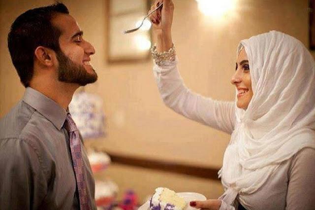 Wahai Muslimah.. Jika Suami Pulang Kerja, Sambutlah Dia dan Lakukan 5 Hal Ini