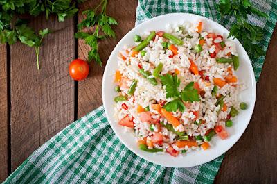 Recetas frescas de arroz para chuparte los dedos este verano