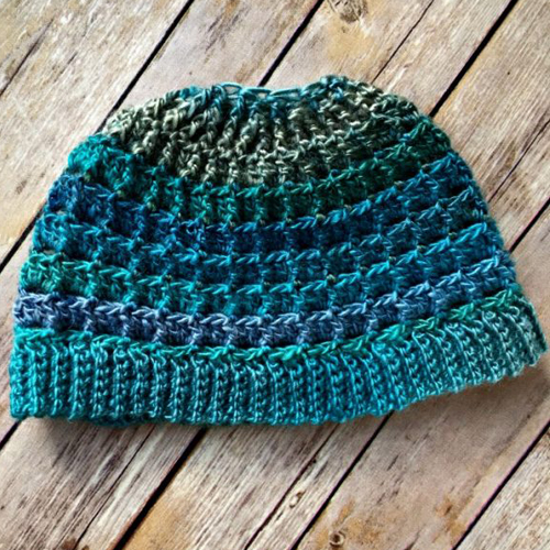 Simple Textured Messy Bun Hat – Free Pattern