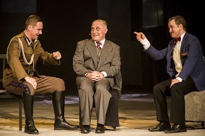 """Scena z musicalu """"Kariera Nikodema Dyzmy"""" Teatr Syrena"""