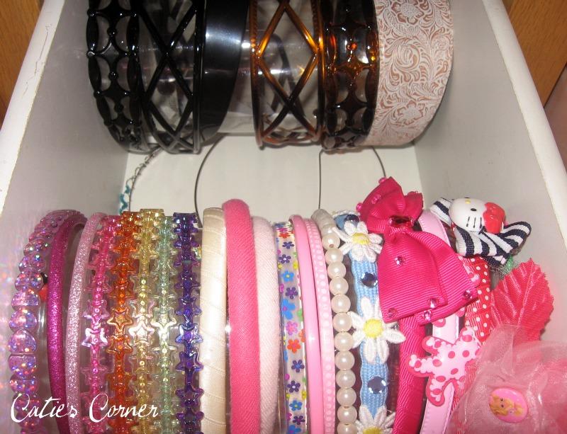 Hair Style Organizer: Catie's Corner: Simple Solution
