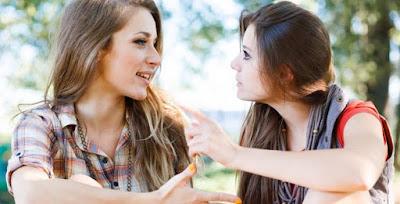 Jangan Terlalu Sering Mendengarkan Kata-kata Orang yang Belum Kamu Kenal Baik dan Hindari 7 Hal Ini Jika Ingin Hidup Kamu Lebih Bahagia lagi.