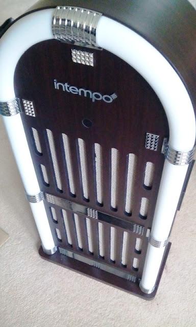 Intempo Jukebox Wireless Radio Speaker Amongst Disco Calorie-Free Display!