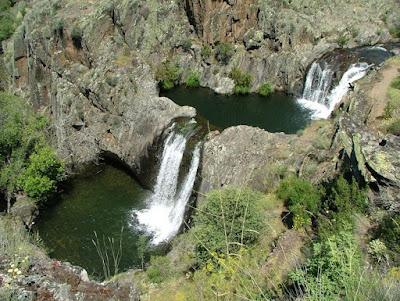 Cascadas del aljibe con el grupo de senderismo y experiencias - escapadillas.com