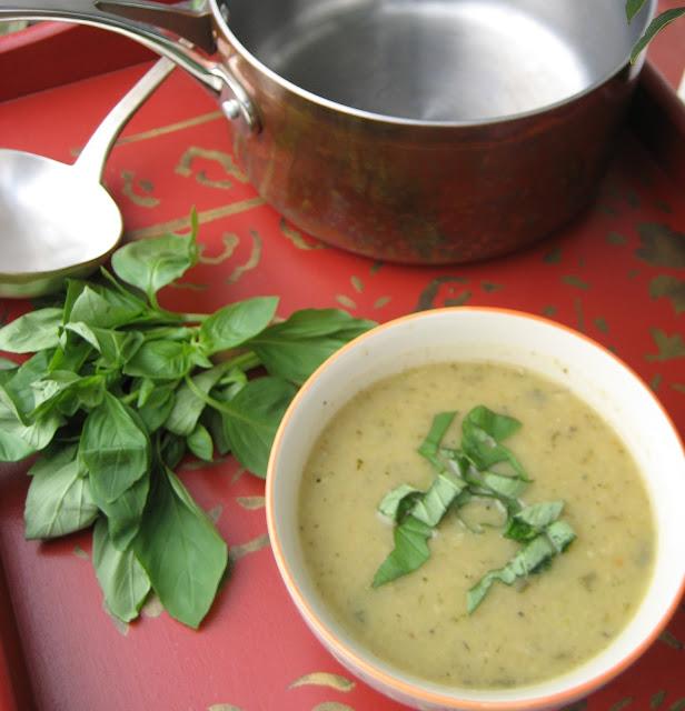 Courgette soup recipe, Italian Soup recipe, vegetarian recipe, zucchini, basil, parmesan