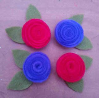 Bunga mawar cantik dari flanel