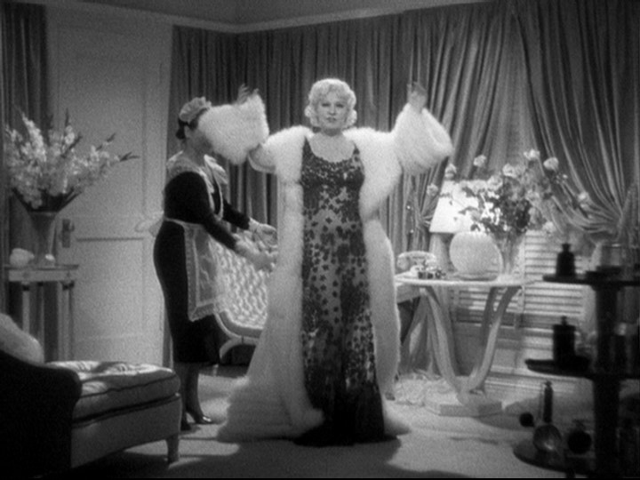 In Go West Young Man Released On 18 November 1936 Mae Stepped Into A Role Created As Broadway Comedy That Poked Fun At Hollywood Dementia