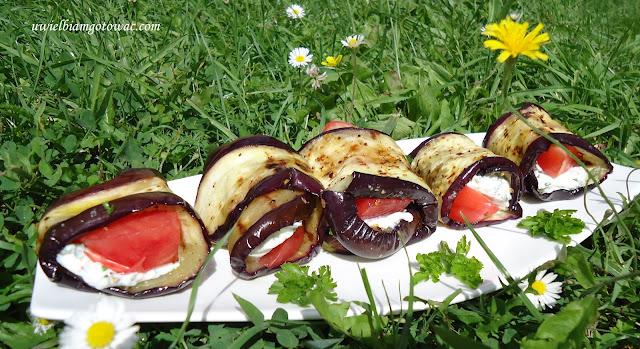 Roladki z bakłażana faszerowane fetą i pomidorem