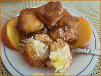 Peaches and Cream Monkey Bread | www.BakingInATornado.com | #recipe #dessert
