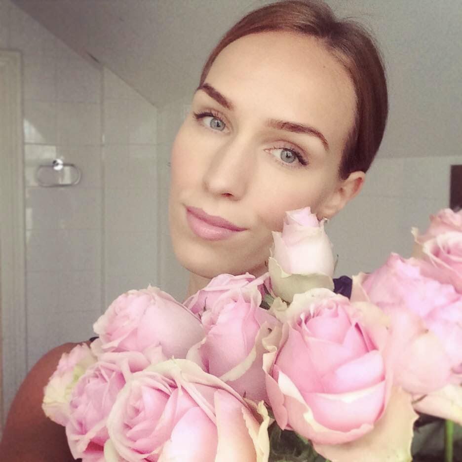 pink-roses-natural-beauty