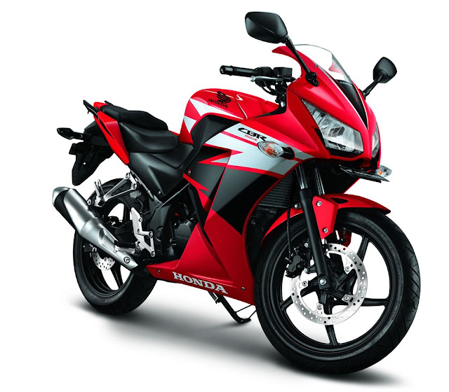 All New Honda CB150R Streetfire lahir . . . akankah All New Honda CBR 150R mendapatkan upgrade?