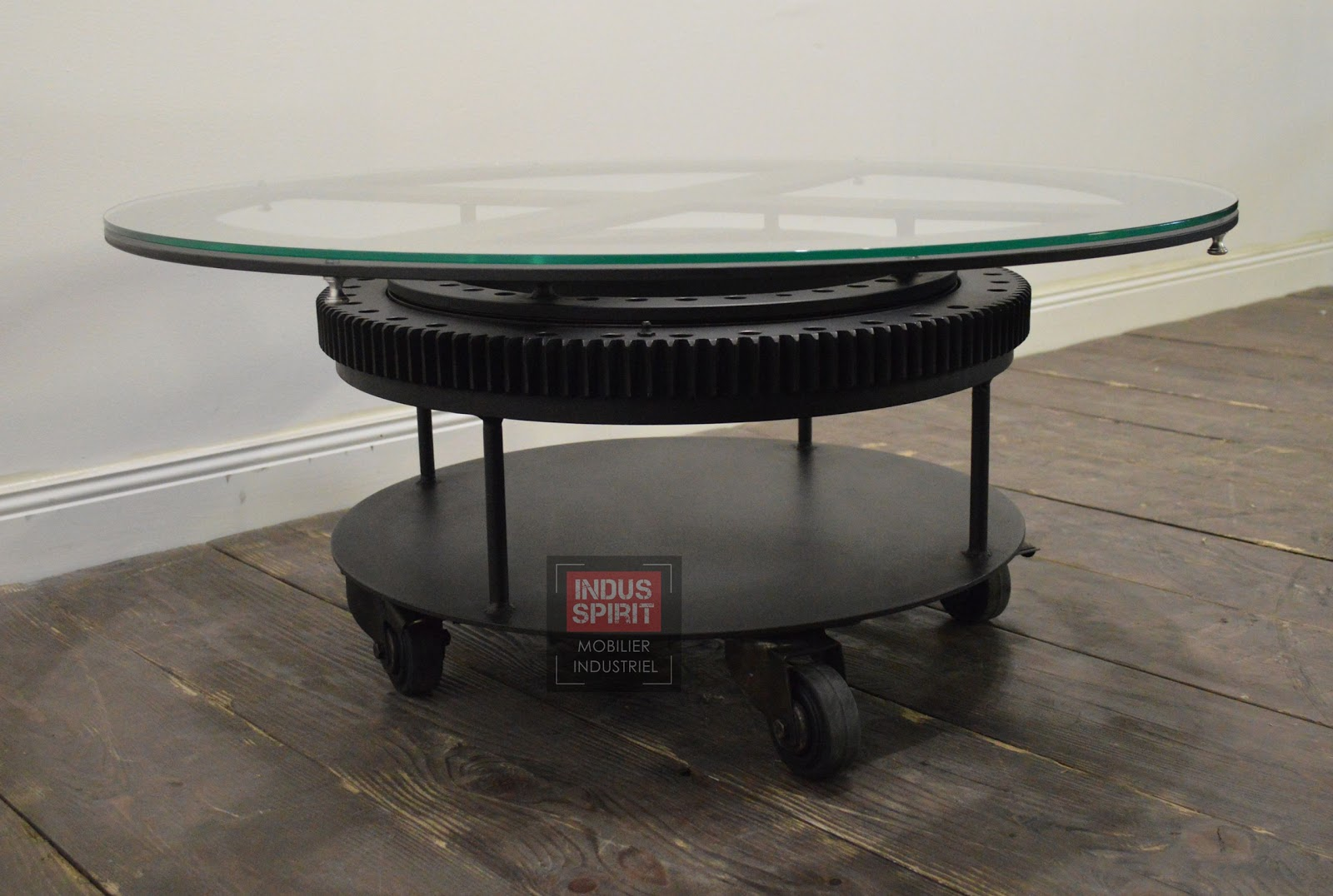 Table basse industrielle verre et m tal - Table basse verre roulette industrielle ...