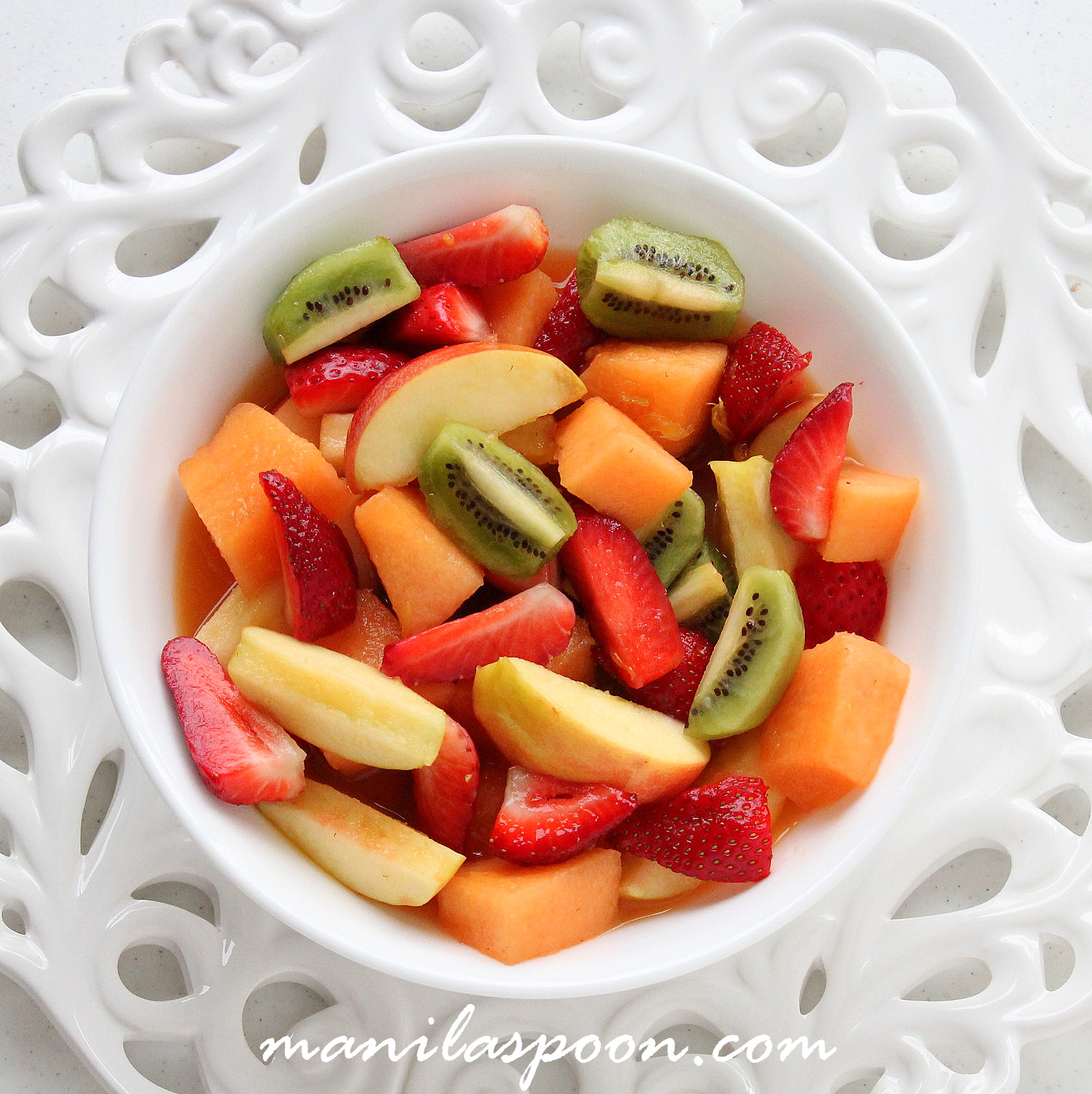 This light and healthy Italian fruit salad is the delicious way to take in all that nutrients from your favorite fruits and berries. So refreshingly good, it's the perfect summer treat!