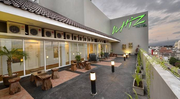 Booking Hotel di Yogyakarka Whiz Hotel Malioboro