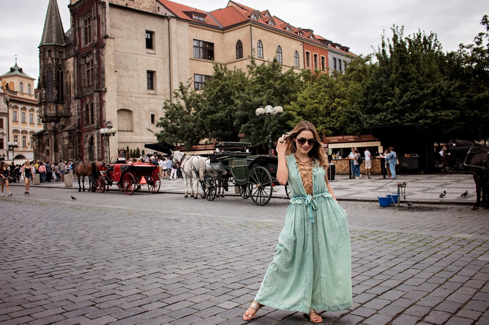 Whitney's Wonderland Top UK Luxury Travel and Fashion blogger tips on 5 things to do in Prague and what to wear in Prague