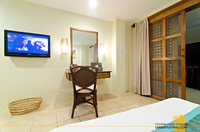 Bluewater Maribago Beach Resort Cebu Deluxe Room