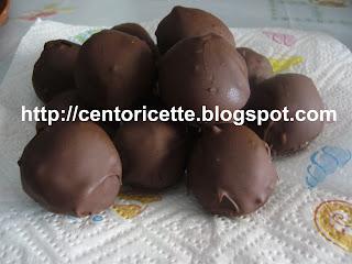 Pasticcini al cocco con glassa di cioccolato