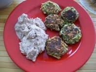 vegan essen in Wien - Vegane Zucchini-Mohn-Laibchen mit Maroni-Püree (veganes Rezept für 2 Personen) - hauptspeise