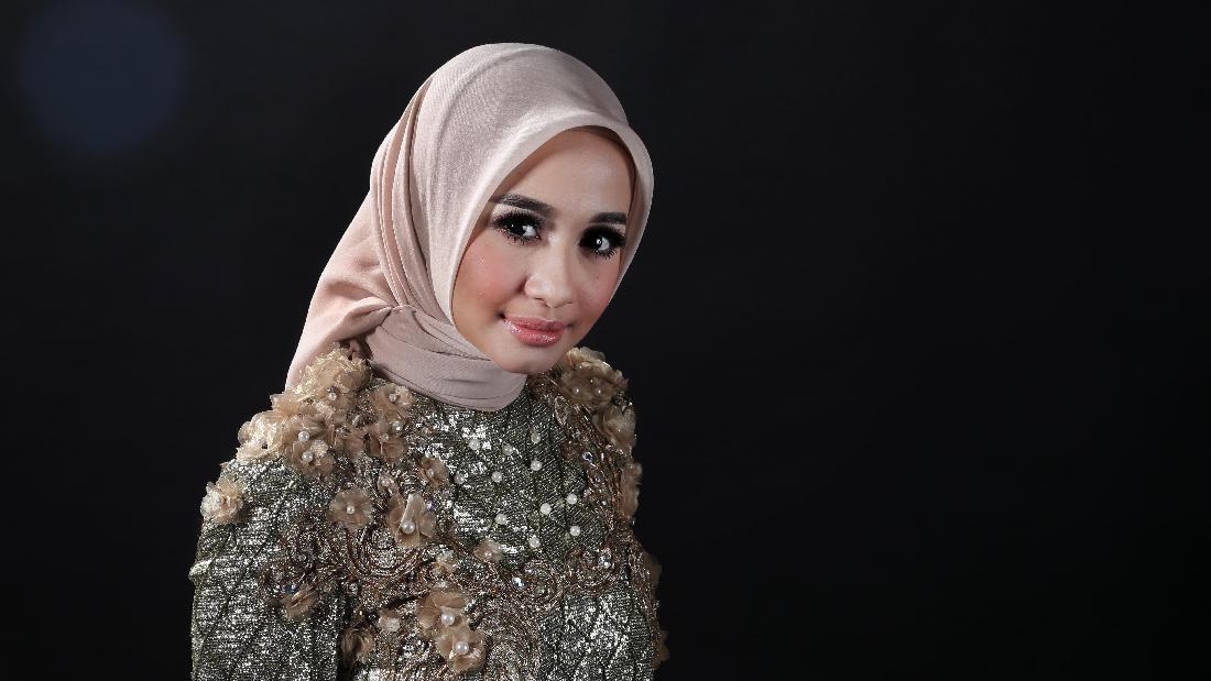 Biodata Laudya Chintya Bella - Foto Model Hijab dan Artis Jilbab Cantik yang Manis