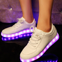 http://www.banggood.com/Unisex-USB-LED-Light-Lace-Up-Luminous-Shoes-Sportswear-Couple-Luminous-Sneaker-p-1069427.html?utm_source=sns&utm_medium=redid&utm_campaign=naokawaii_10th&utm_content=chelsea
