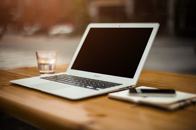 jak zrobić stronę internetową html, jak zrobić stronę internetową krok po kroku