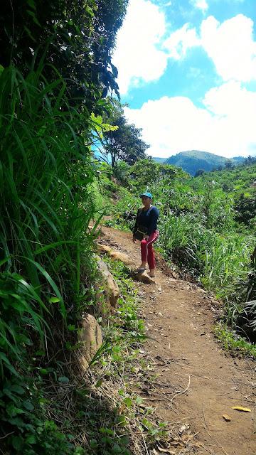 Banca Bancaan Falls trail